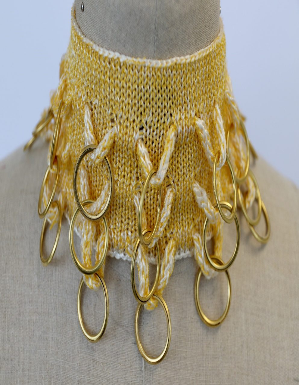 Looped knitted choker